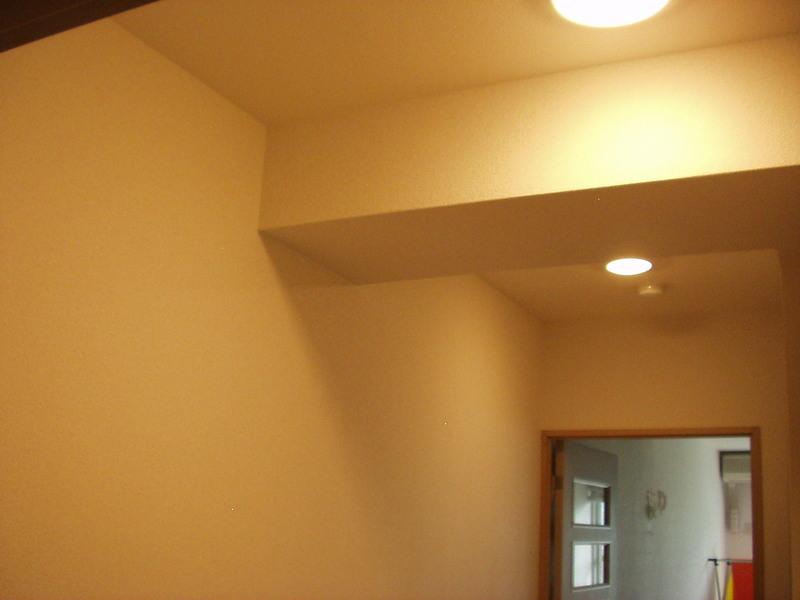 湯沢のマンションの内装工事に入ってます。