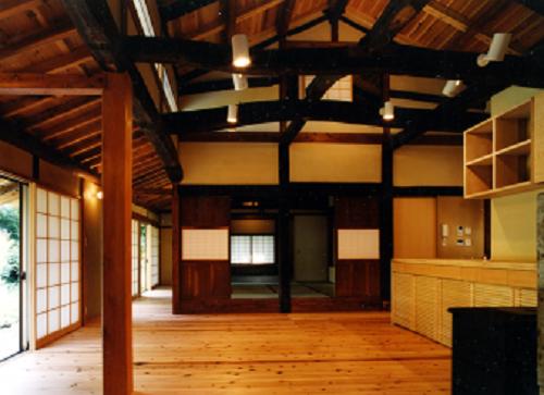 魚沼市の古民家を畳を使ってカッコ良くリノベーション。