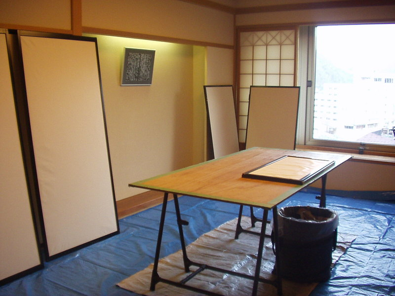 魚沼の畳の表替えと襖の張り替えをさせて頂いています。